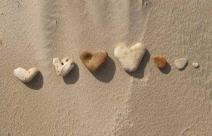 heart-shaped-rocks
